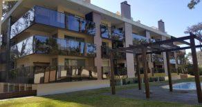 Uy 061  Apartamento con terraza propia