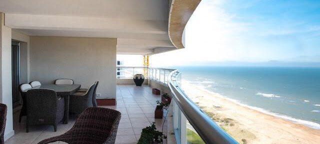 Uy 117 Penthouse con terraza frente al mar