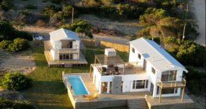 Uy 121  Casa frente al mar en José Ignacio