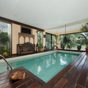 Uy 110  Paradise house , Beverly Hills