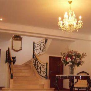 Uy 088  La Mansión  es una elegante edificación en estilo inglés
