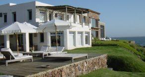 Uy 054 Casa en Punta del Este,sobre el mar
