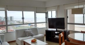 Uy  109  Excelente vista al mar, apartamento en piso alto