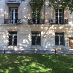 Ar 0014  Edificio francés en Palermo Chico