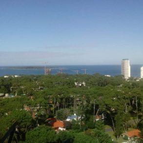 Uy 142 Alquiler y venta . Edificio Bora Bora