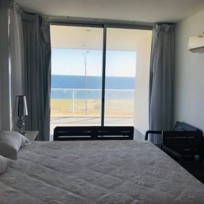 Uy 153  Frente al mar de Playa Mansa