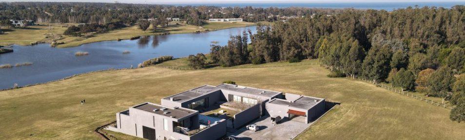 Uy 156 Casa exclusivo barrio privado Villalagos