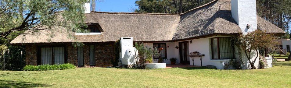 Uy 160 Cabaña de quincho, con 1200 m2 de terreno