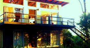 Uy 166  Casa con dos departamentos iguales en José Ignacio